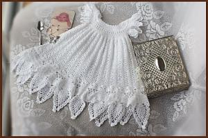 christening-gown-patterns-old-fashioned-baby-114776.jpg